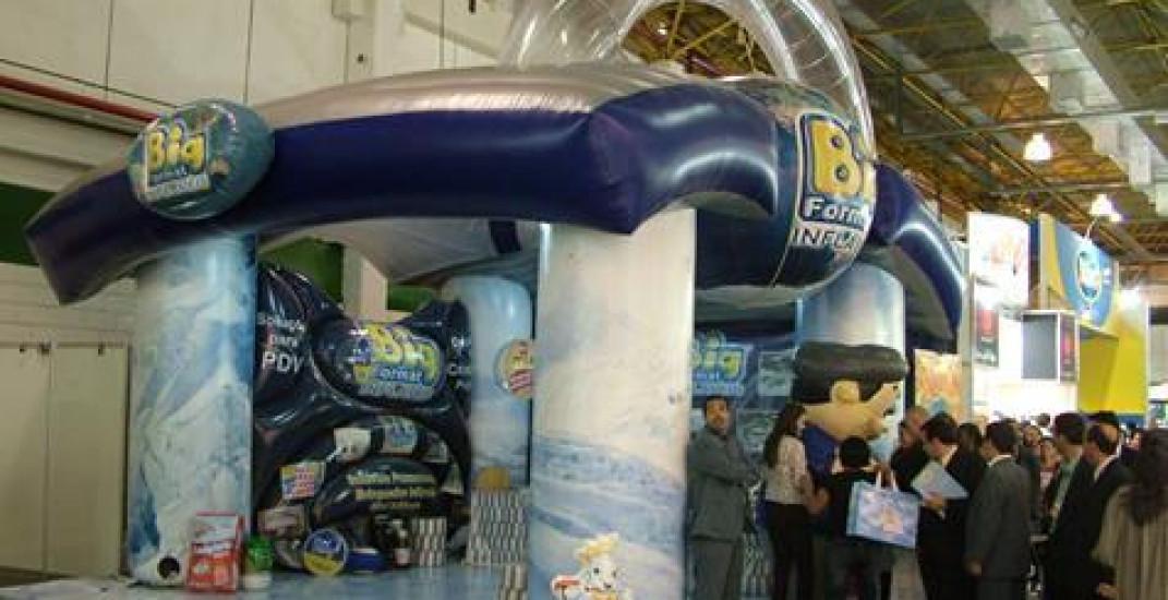 Organizando estandes de feiras com infláveis