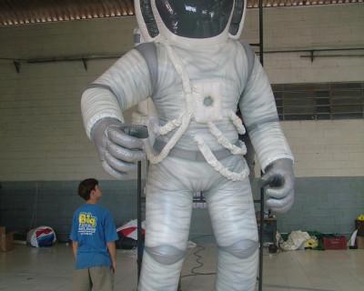 Carnaval Inflável - Astronauta Viradouro