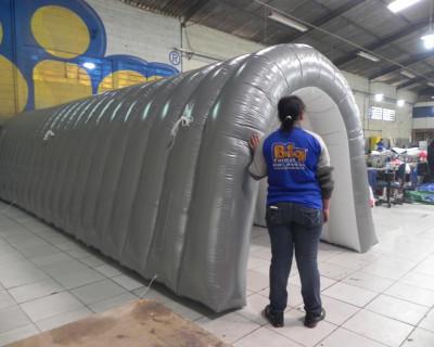 Túnel Inflável Mega Soccer