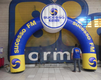 Portal / Pórtico Inflável Arco Plus - Sucesso FM