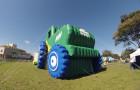 Inflável Promocional Desatola Brasil - Réplica Trator - Foto 1