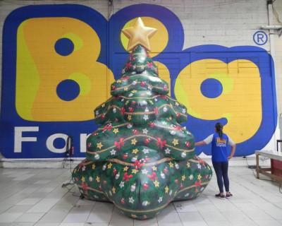 Novo Modelo! - Árvore de Natal Inflável